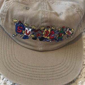 Supreme friends hat.